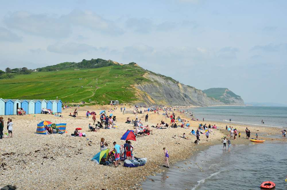 A view to the east on Charmouth Beach